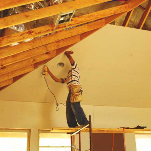 Как сделать потолок в дачном доме