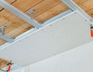 Гипсокартон на деревянный потолок
