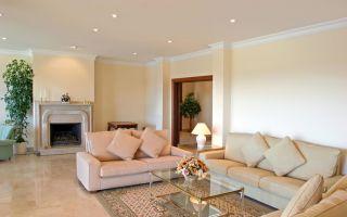 Одноуровневый, простой потолок из гипсокартона